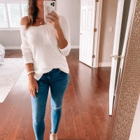 Cream Sweater + Skinny Jeans + Booties